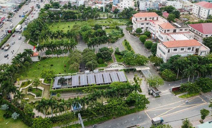 Cỏ nhân tạo sân vườn quận 12 giúp mở rộng sân vườn