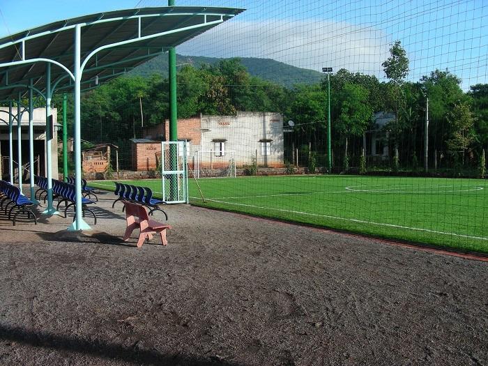 Quy trình thi công sân bóng cỏ nhân tạo