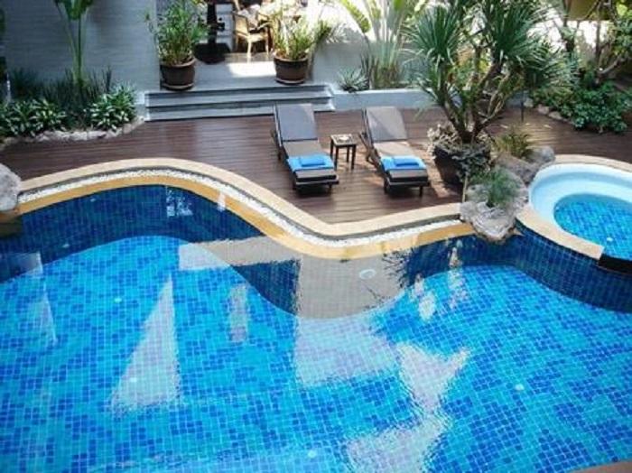 Ưu điểm của gạch mosaic hồ bơi