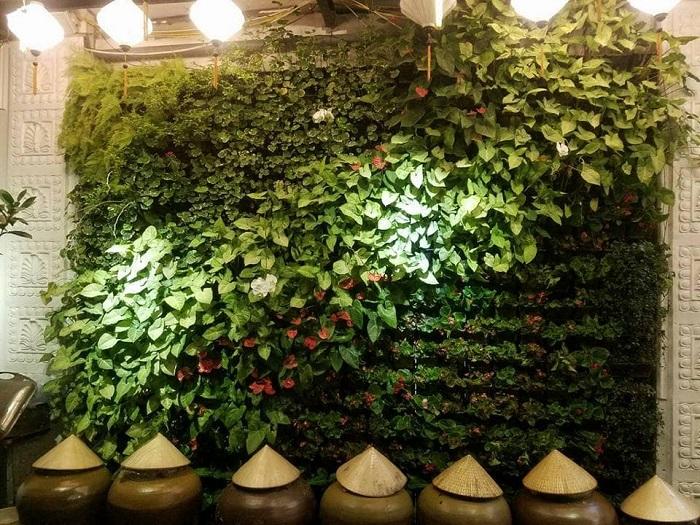 Chi phí thi công tường cây giả phụ thuộc những yếu tố nào?