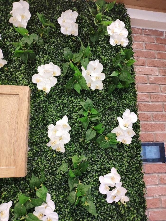 Tường cây giả ở quận Gò Vấp có gì nổi bật?