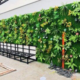 Thi công tường cây giả ở quận Tân Phú