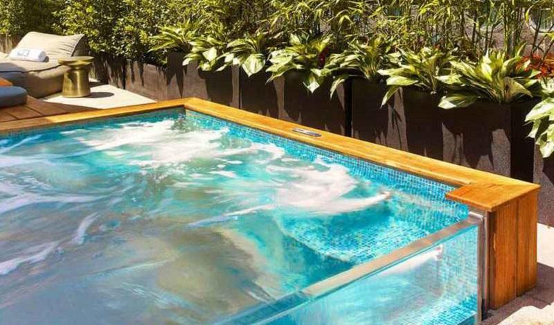 Hồ bơi vách kính