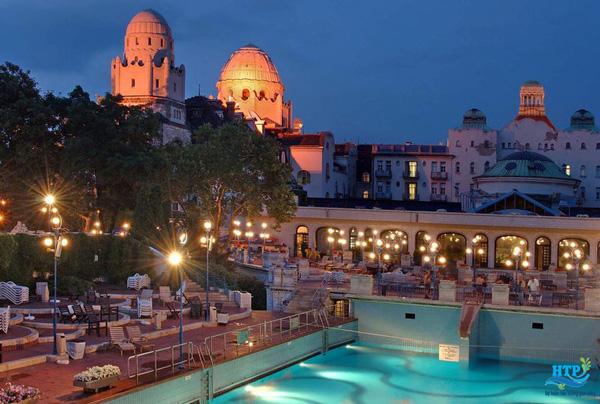 Nhà tắm Gellert: Budapest, Hungary